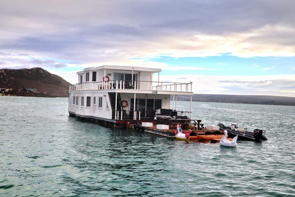 Kraalbaai Luxury Houseboats Nirvana