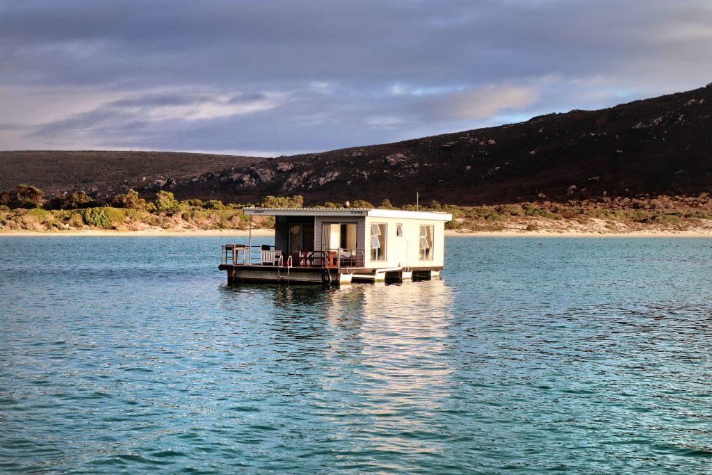 Kraalbaai Luxury Houseboats Serenity